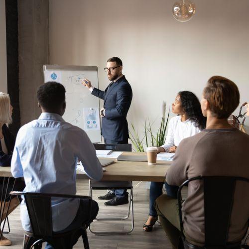 Курс BAS: Комплексне управління підприємством